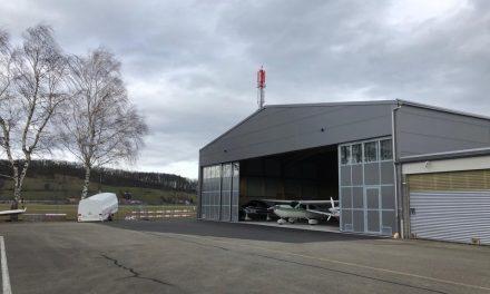 Deckenlift-Montage im Hangar der CXA