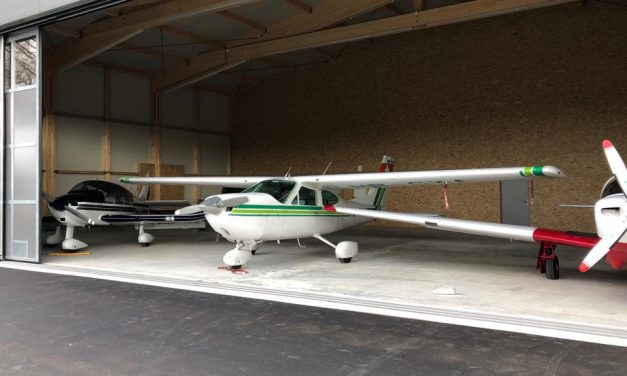HB-CXA in neuem Hangar